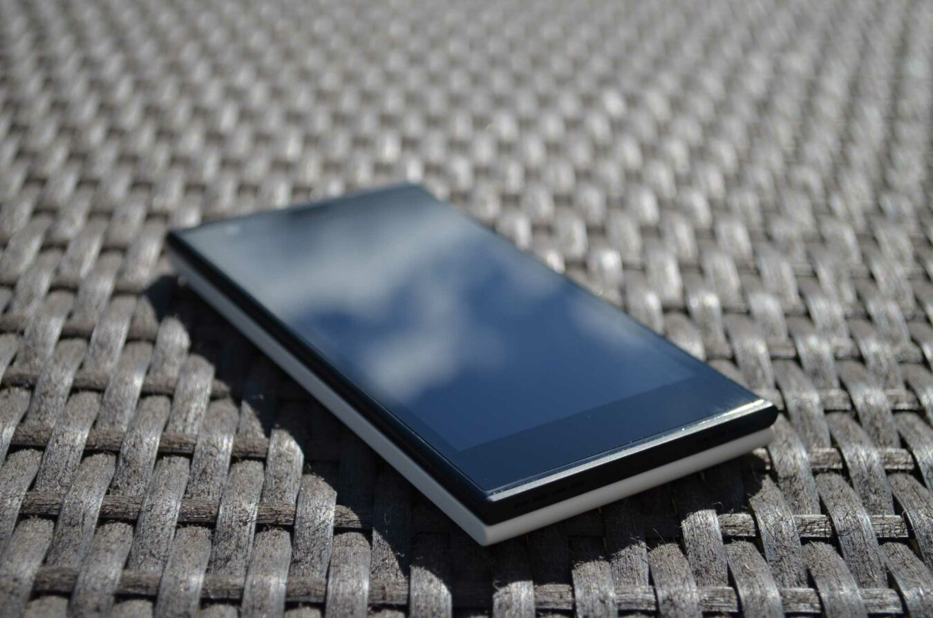 Photo de [TEST] Jolla – Un smartphone doté d'un OS surprenant !