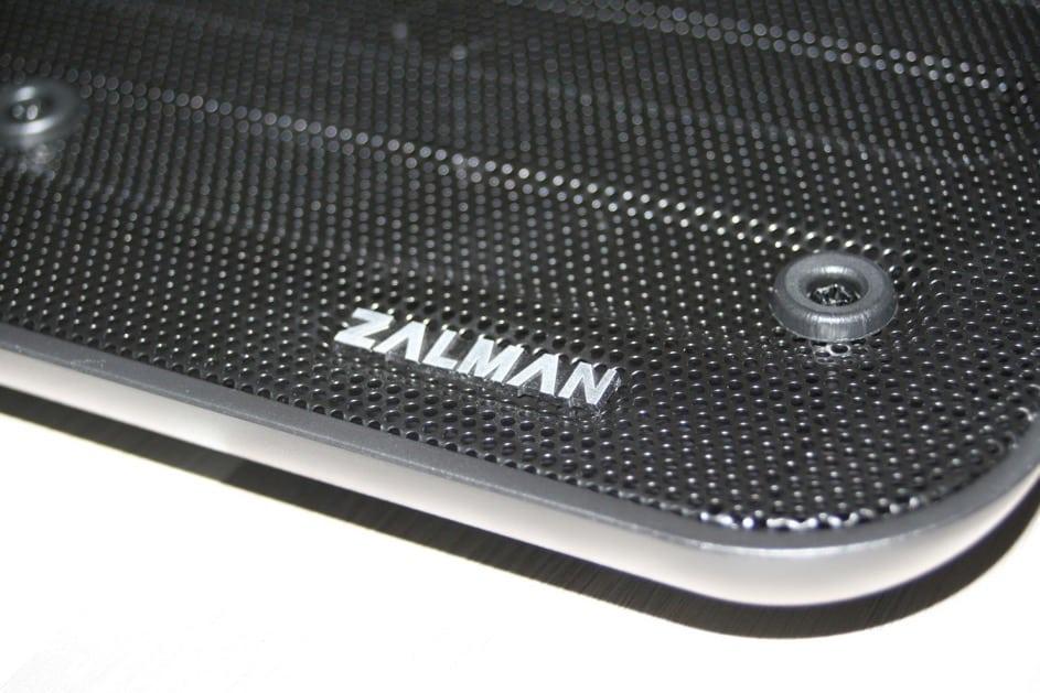 Photo de [Test] Zalman ZN-NC3, un silencieux tapis pour pc portable