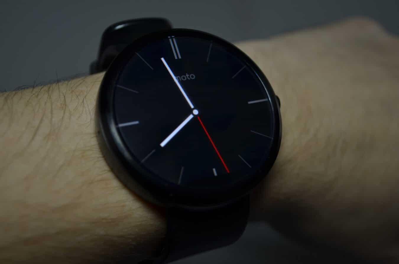 Photo de [TEST] Motorola Moto 360 – Une smartwatch d'un ton classique