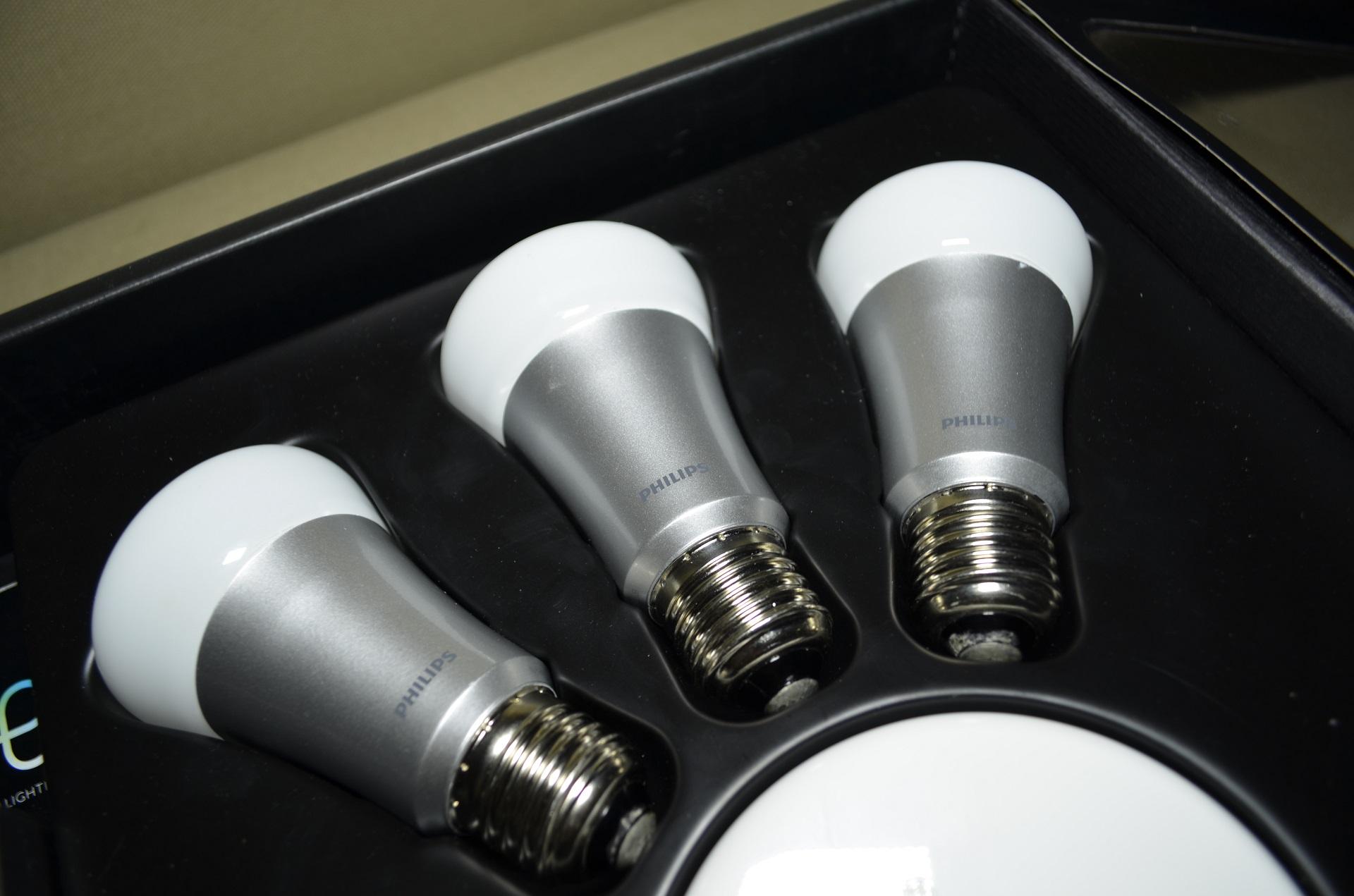 test philips hue une ampoule pour vous servir le caf du geek. Black Bedroom Furniture Sets. Home Design Ideas