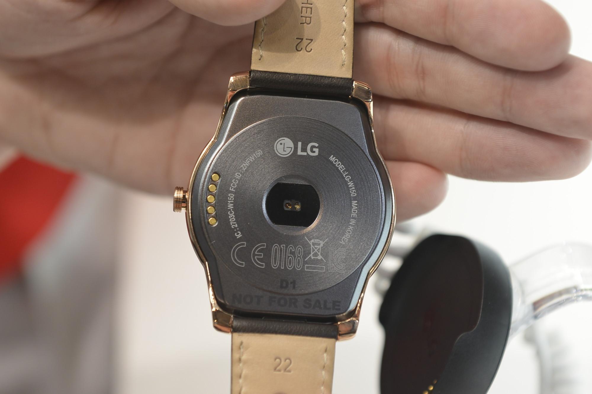 LG Watch Urban Back