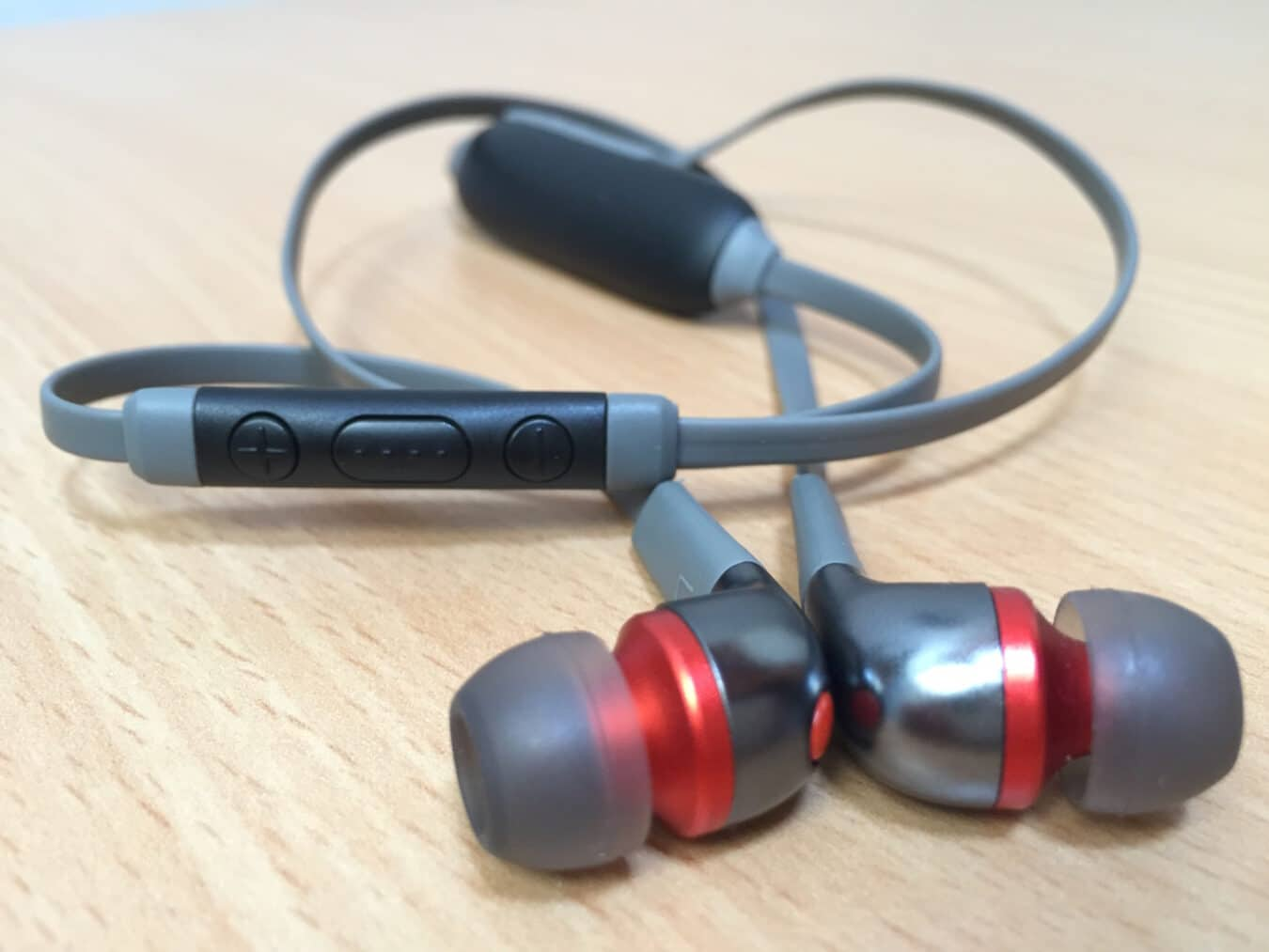 Photo of STAY Earbuds Wireless d'EMTEC – Déballage des écouteurs