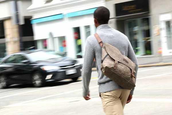 Vitesse_Messenger_Bag_008