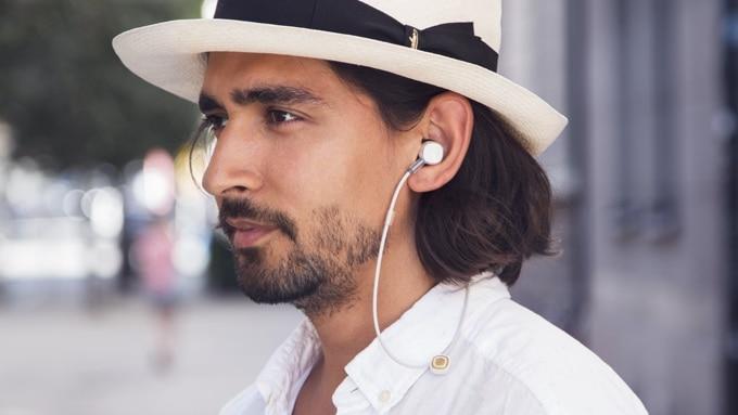 Photo de Kickstarter Coffee Award – PUGZ, les plus petits écouteurs sans fil rechargeable