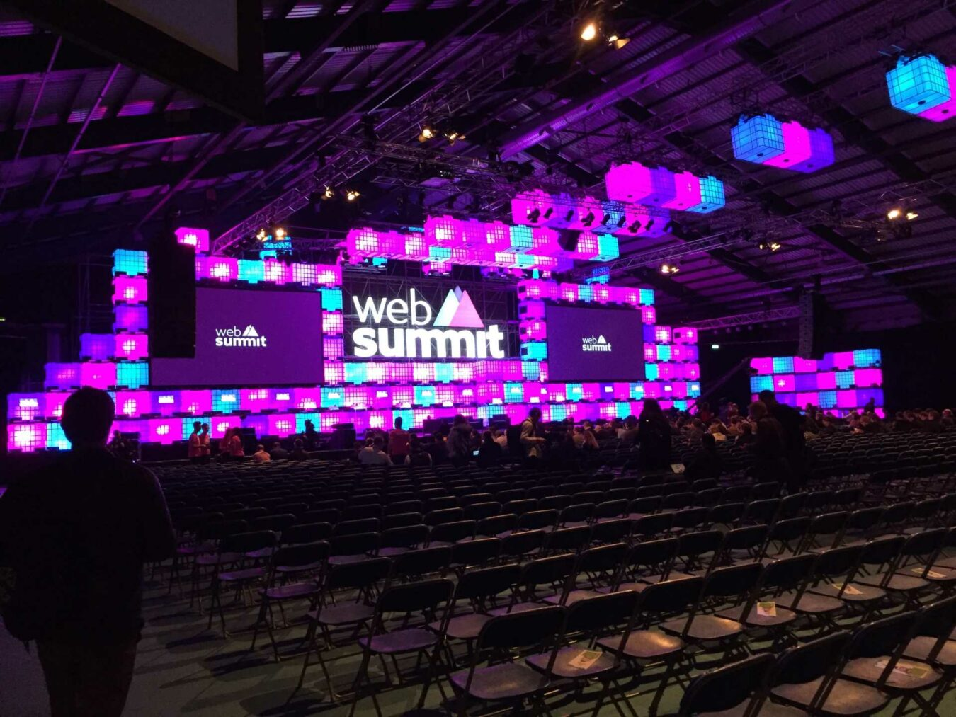 Photo de #WebSummit – Jour 1 – Robot, VR, Instagram et plus !