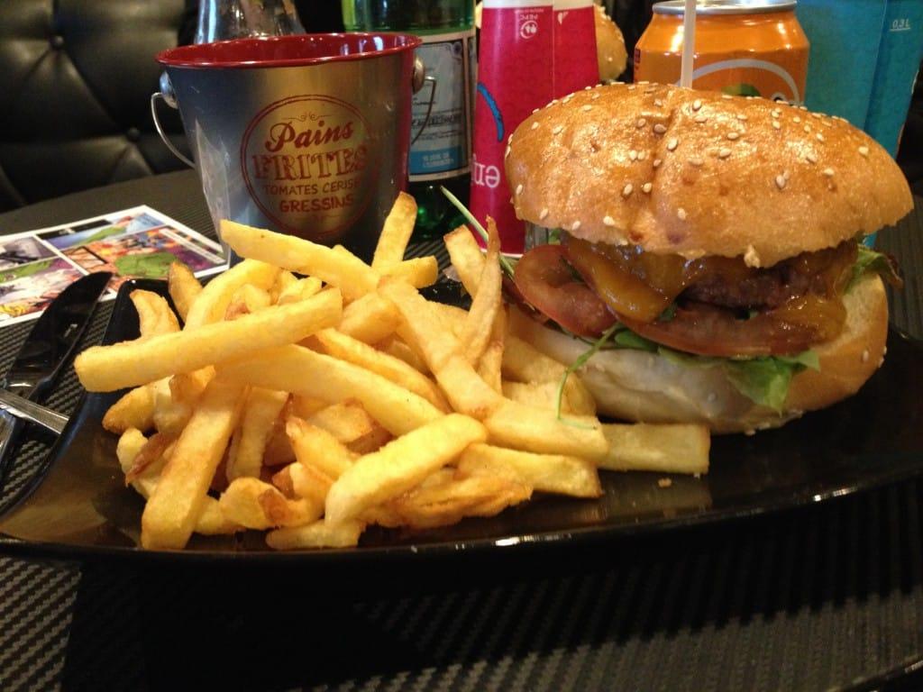 Photo de Du burger et des comics, c'est le Comics Burger à Paris