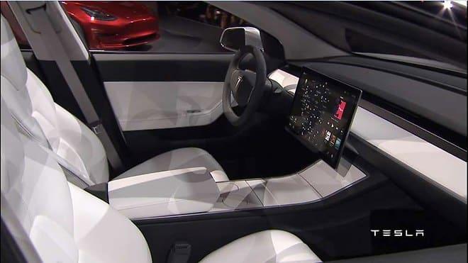 L'intérieur (avant) de la Tesla Model 3
