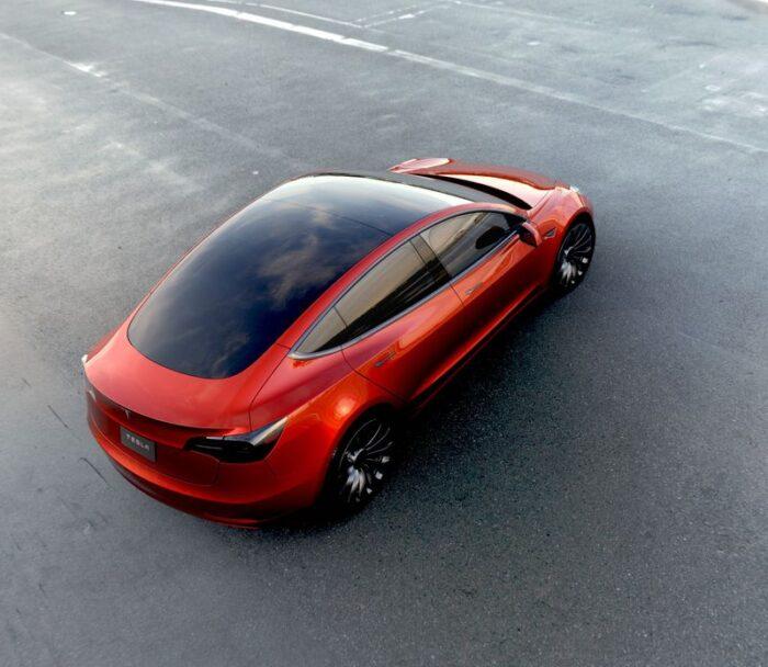 Vue différence de la Tesla M3 en rouge
