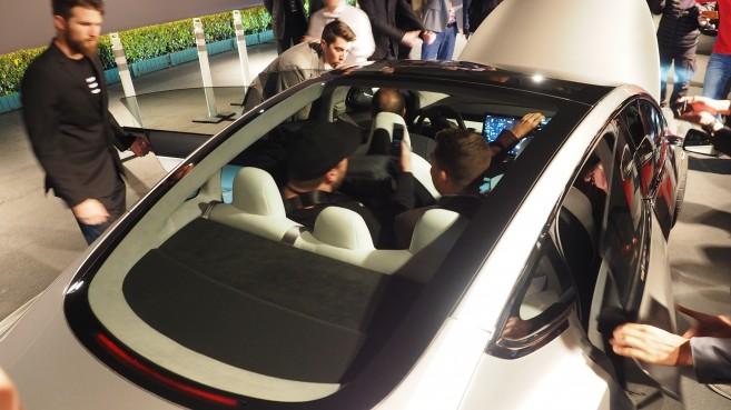 L'arrière de la Tesla Model 3