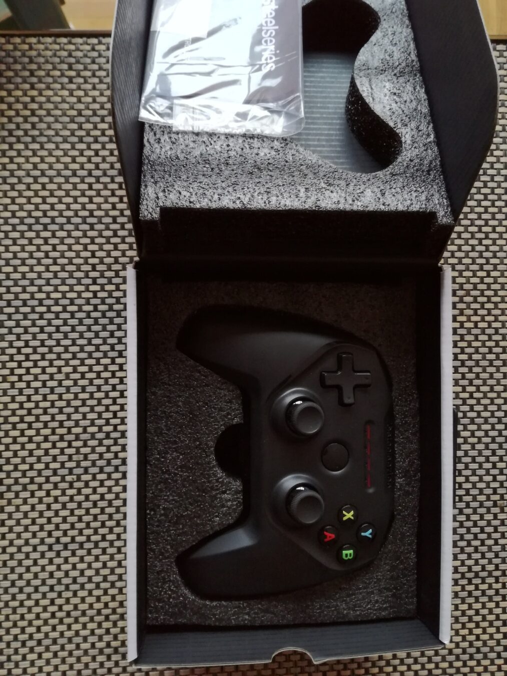 Photo de [TEST] La Manette Nimbus transforme une Apple TV ou un Mac en console occasionnelle ?