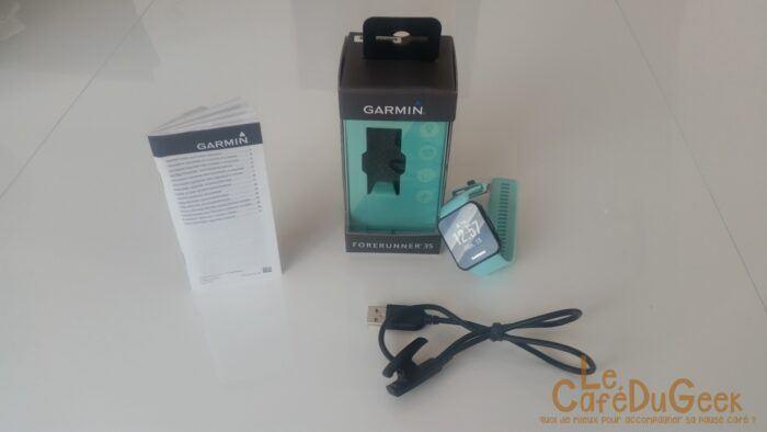 Ouverture du paquet de la montre ForeRunner 35 de Garmin