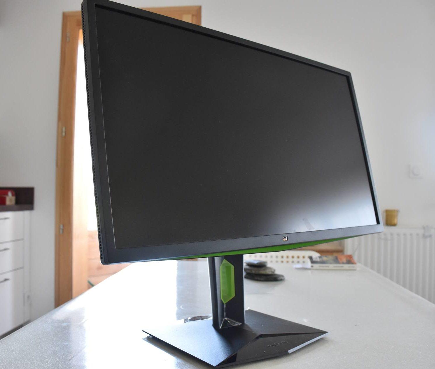 le viewsonic xg2703 gs une b te de puissance lcdg. Black Bedroom Furniture Sets. Home Design Ideas