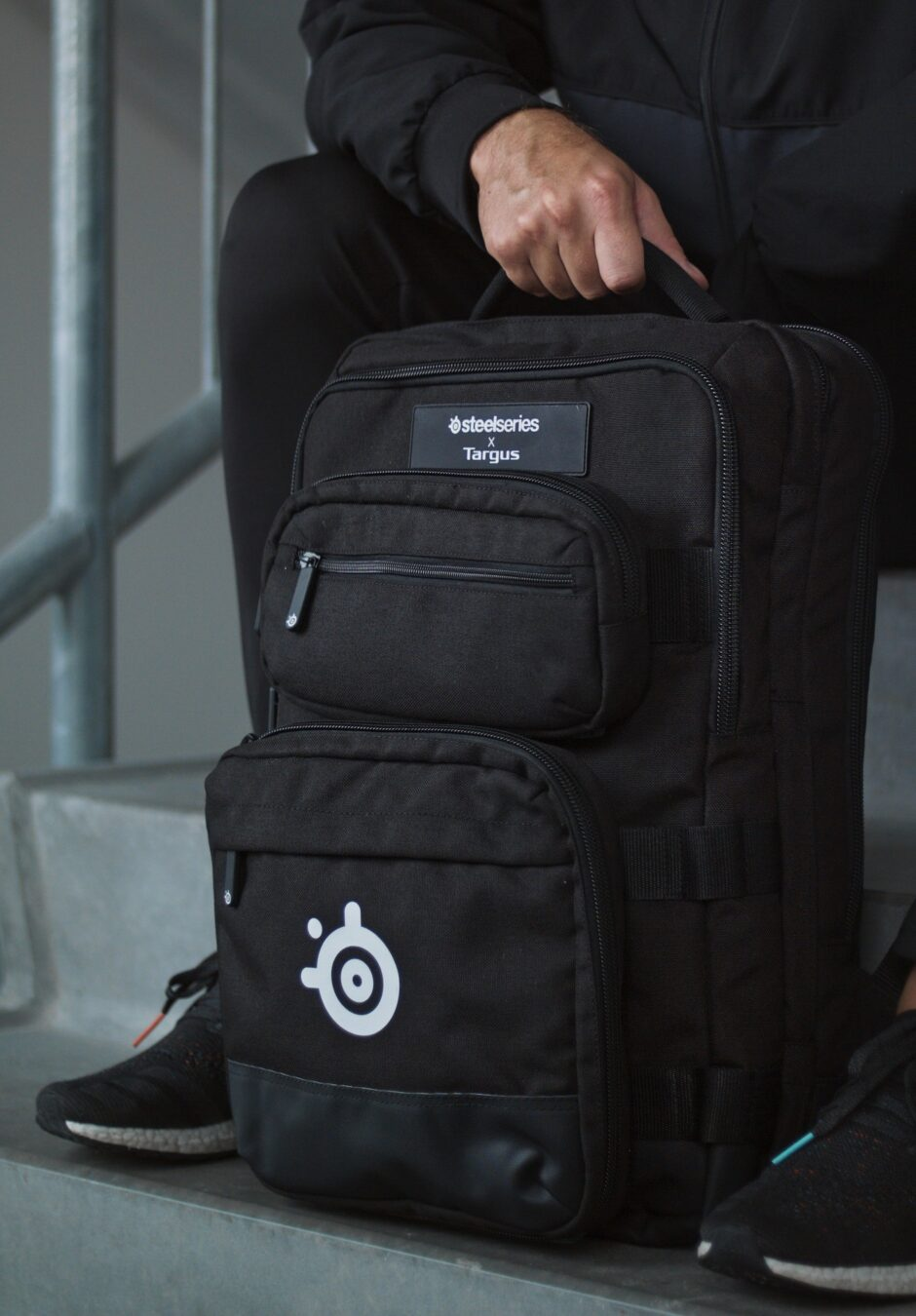 Photo de Sniper Backpack, le sac gamer signé SteelSeries x Targus