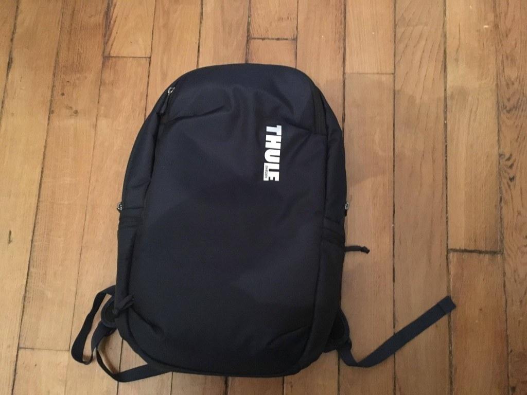 Photo de Thule et son sac à dos Subterra aux multiples compartiments