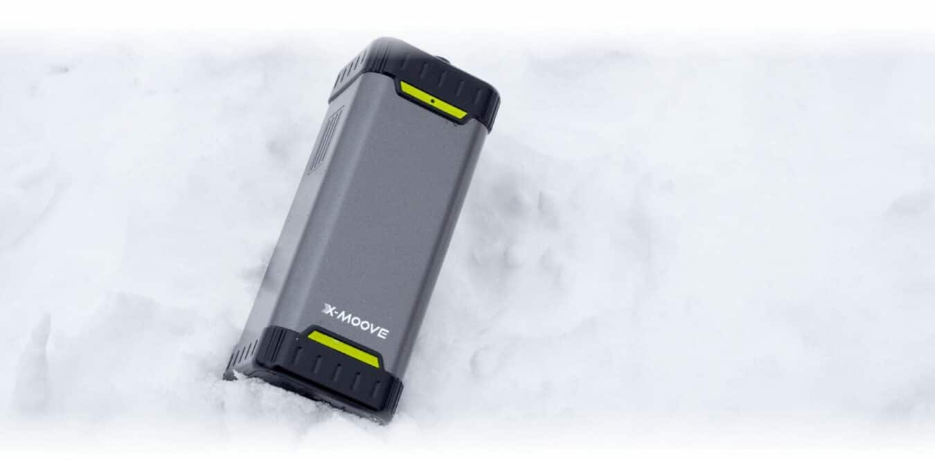 Photo de News – Une batterie externe X-Moove avec prise secteur 220v intégrée