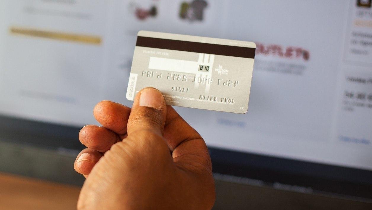 Photo de Des cartes bancaires nouvelles génération et TF1 en passe d'être KO ? #TechCoffee