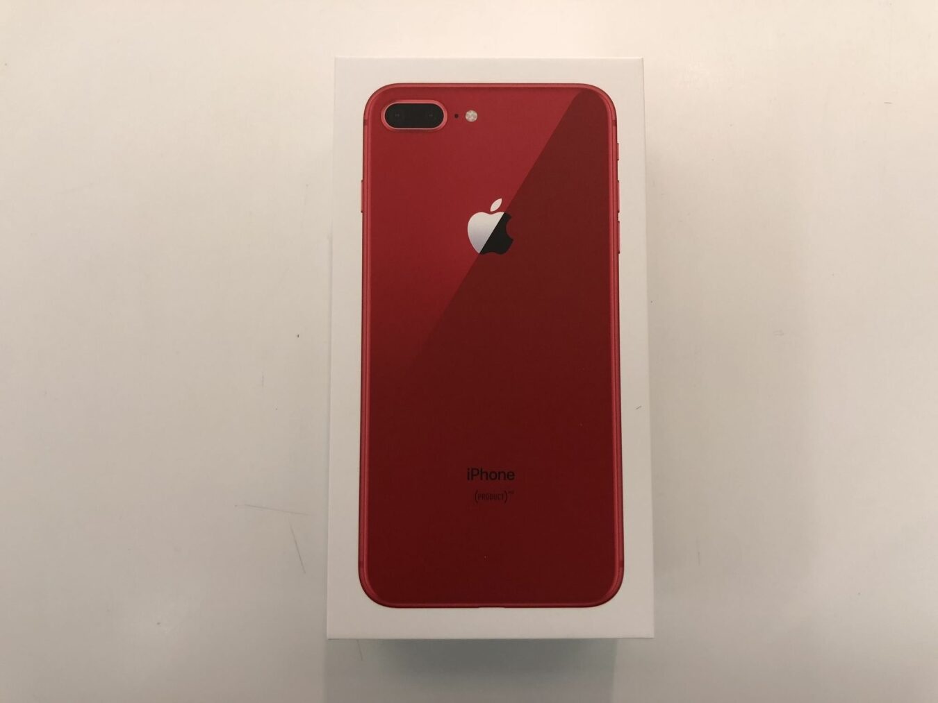 Photo of Déballage de l'iPhone 8 Plus (PRODUCT) Red