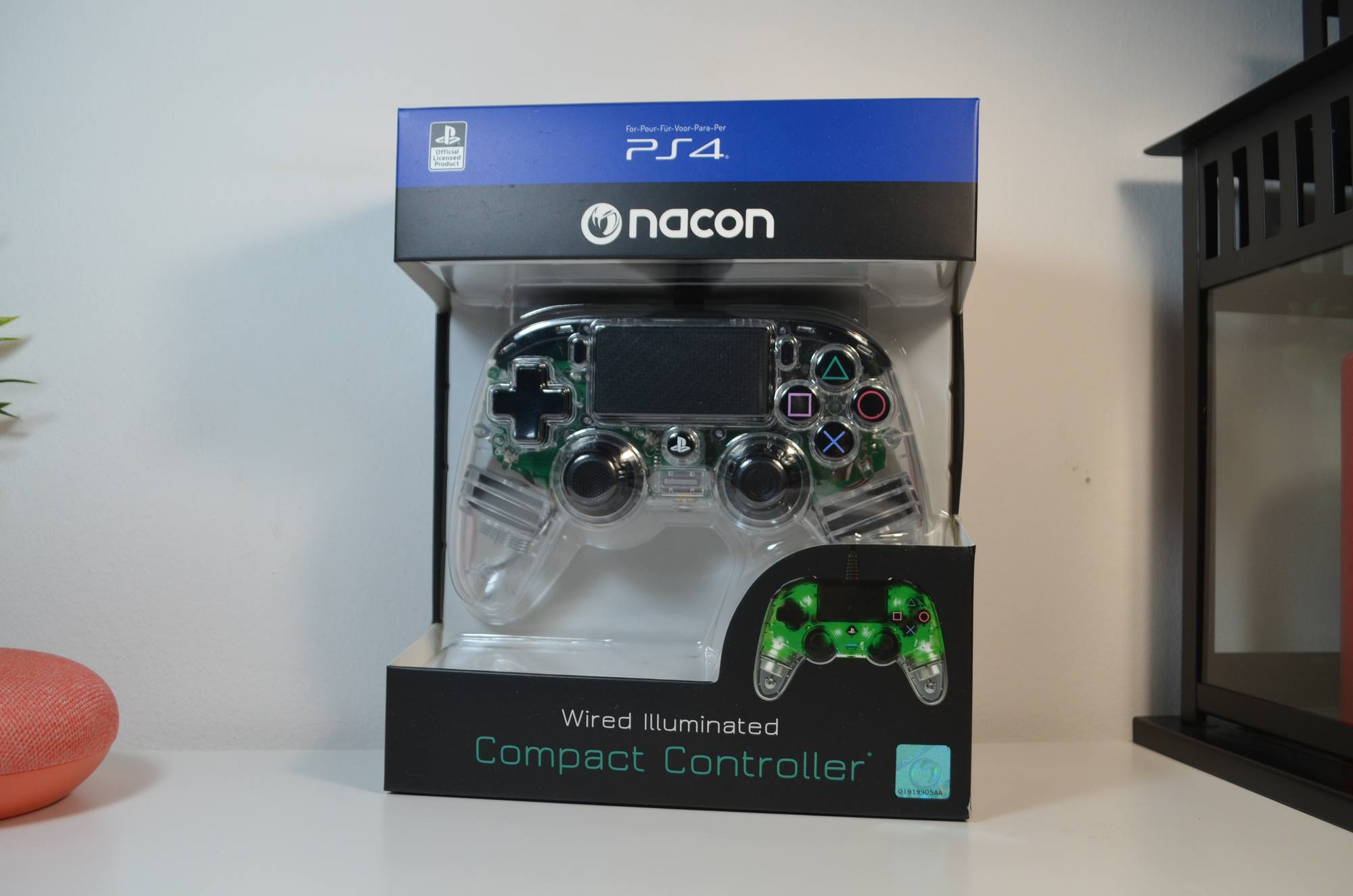 Nacon Illuminated Compact Controller