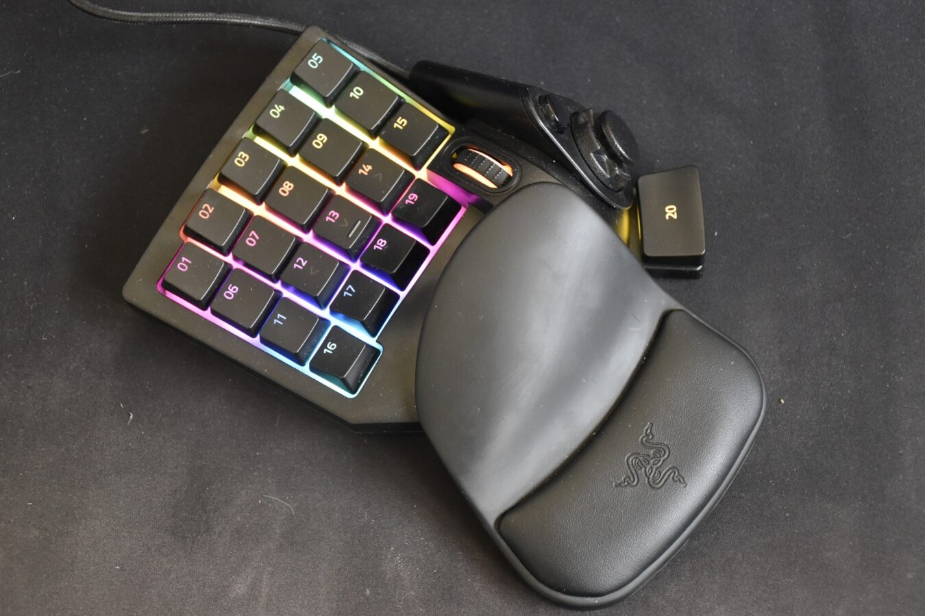Photo of Test – Razer Tartarus V2 : Plus besoin d'un clavier pour être un pro-gamer