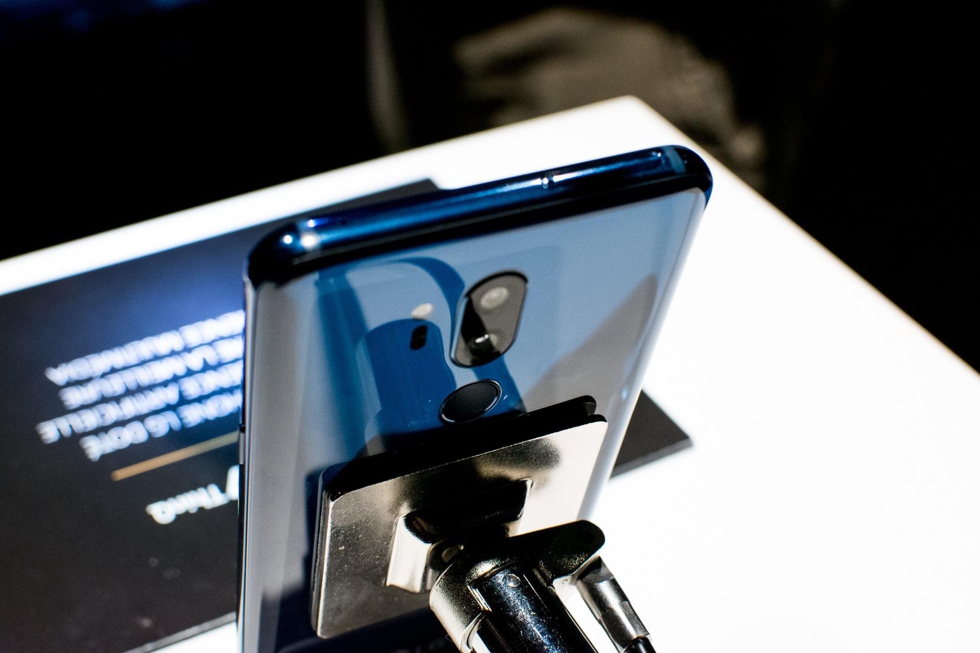LG G7 ThinQ tel2