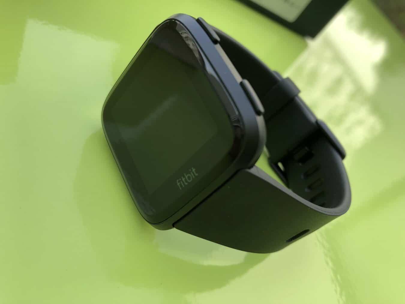 Photo of Test – Fitbit Versa : Une montrée connectée plutôt lifestyle