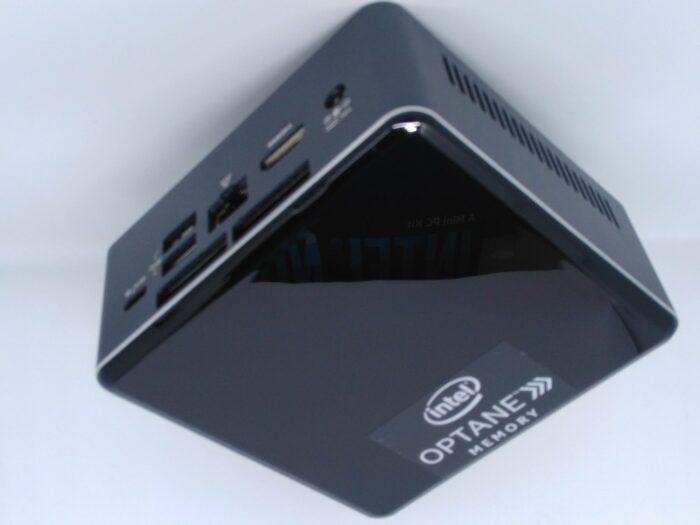 Intel NUC-Vue de trois quart