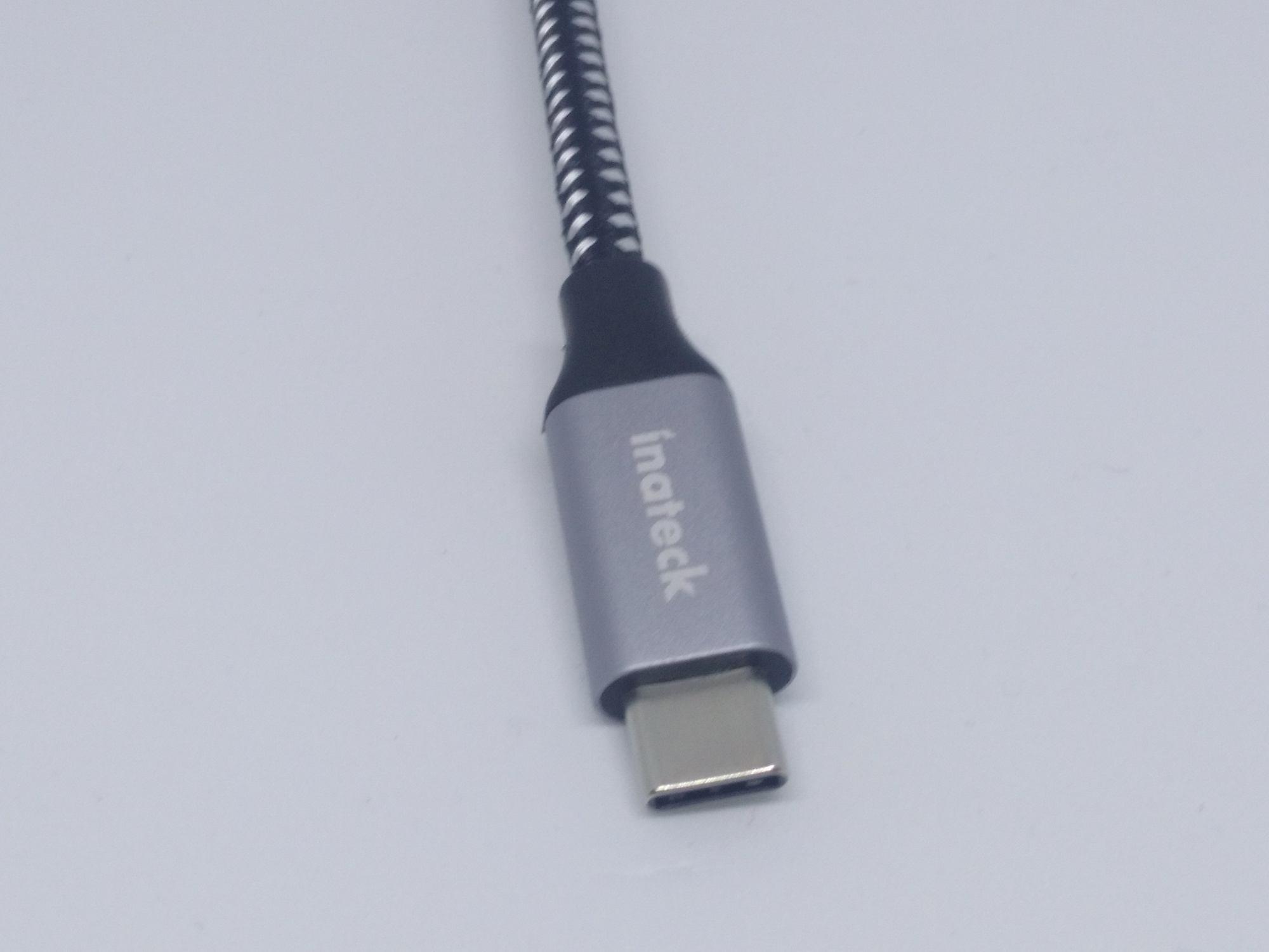 inateck-SC01001-Fil tressé et fiche USB-C