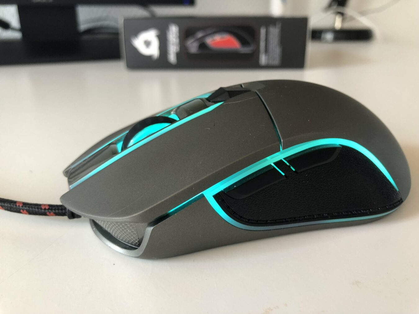 Photo de Test – Klim AIM, une souris gamer complète et abordable