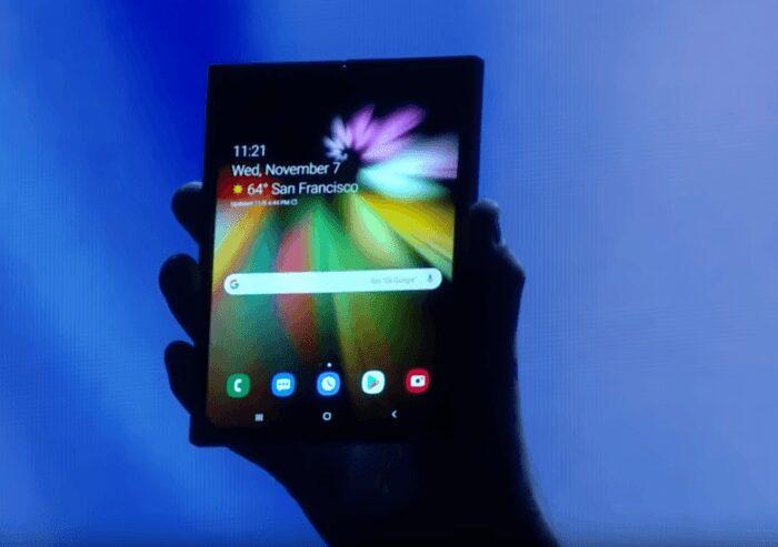 Image extraite de la conférence Samsung à San Francisco présentant un téléphone pliable
