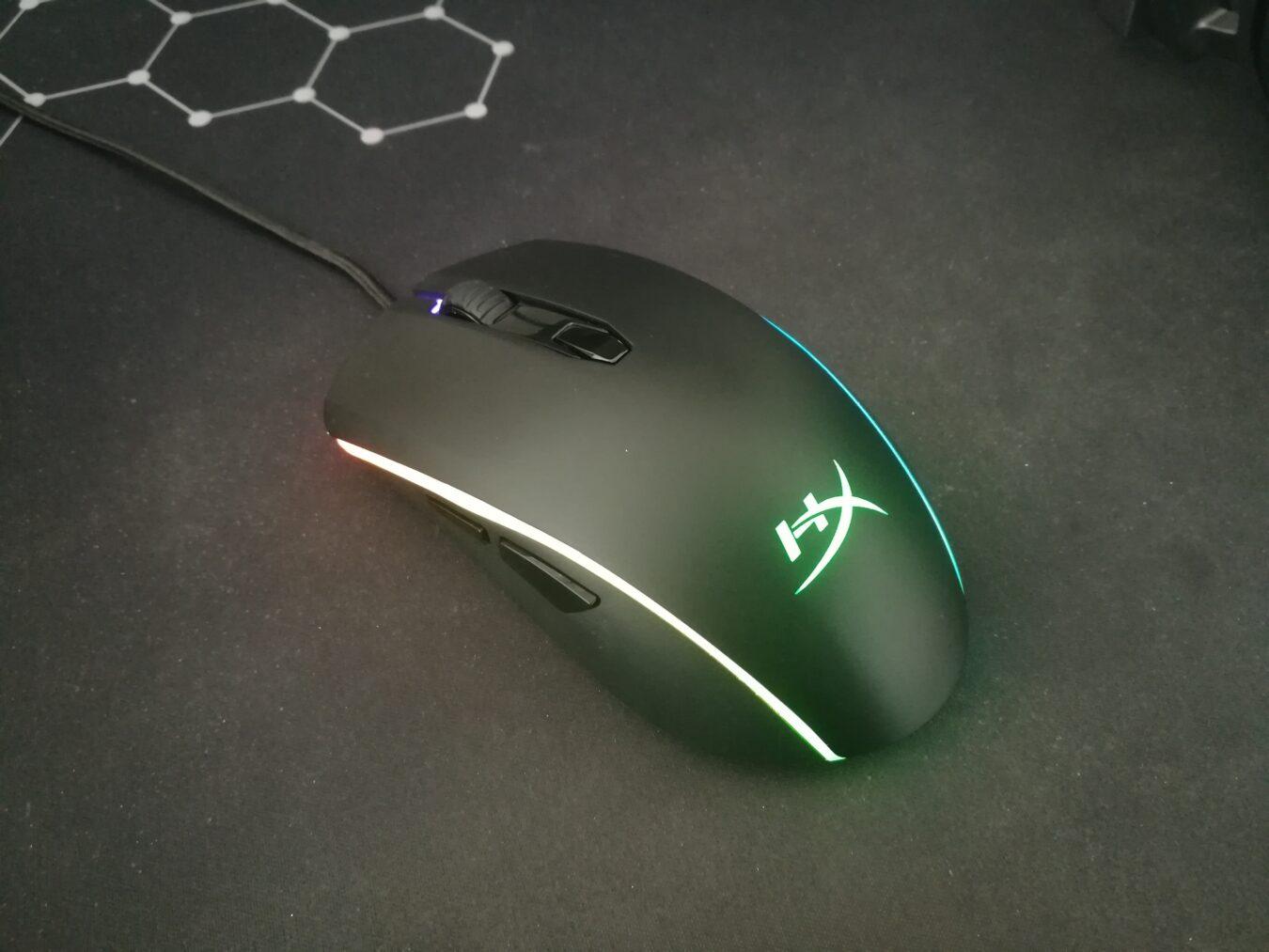 Photo de Test – HyperX Pulsefire Surge : Une souris gamer haute en couleur et en performance