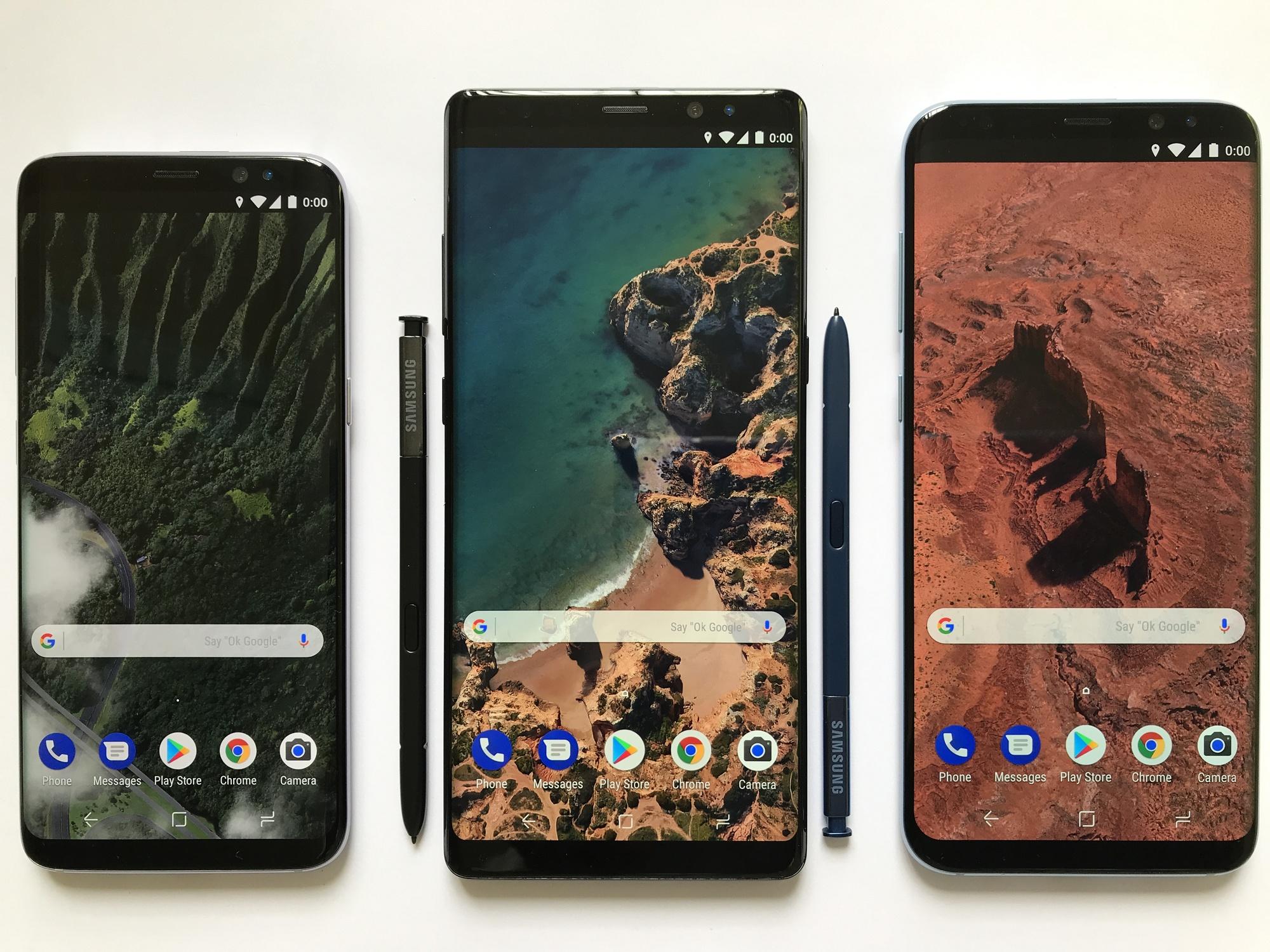 """Smartphones différents mais avec le même """"Style"""" d'écran qui fait référence à la customisation Android."""