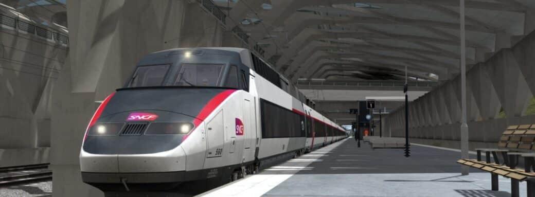 Devant le TGV