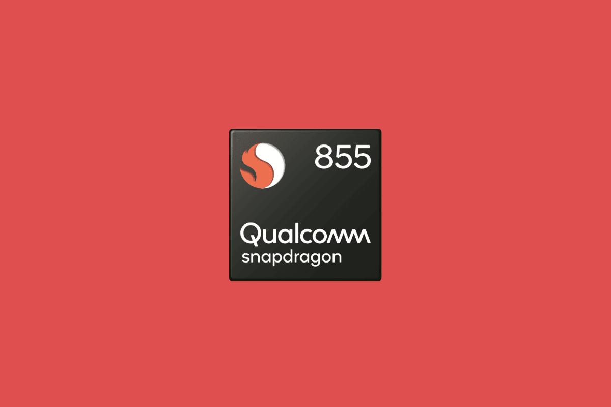 Processeur Qualcomm Snapdragon 855 sur fond rouge