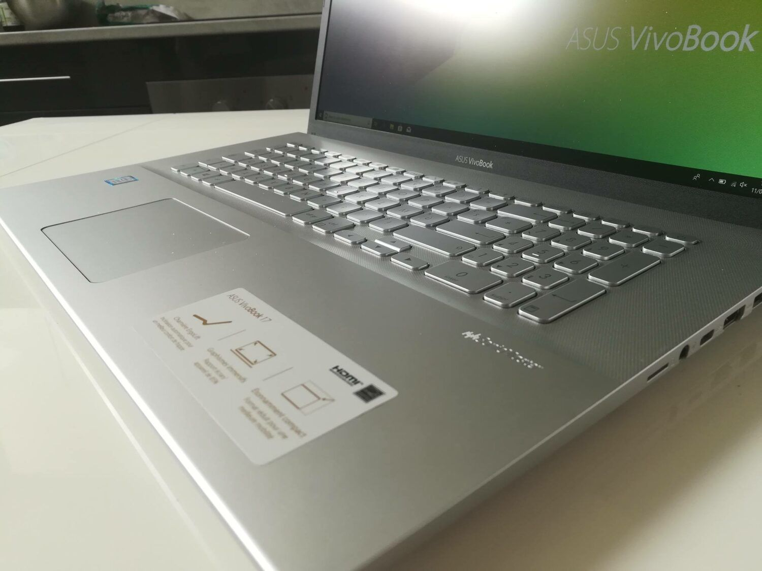 Test du ASUS Vivobook 17 - photo du clavier