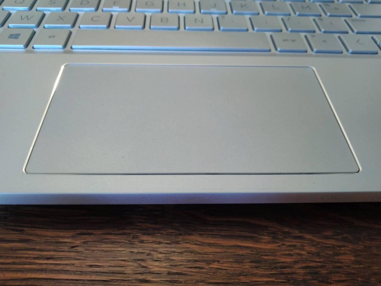 HP Pavilion 15-le trackpad