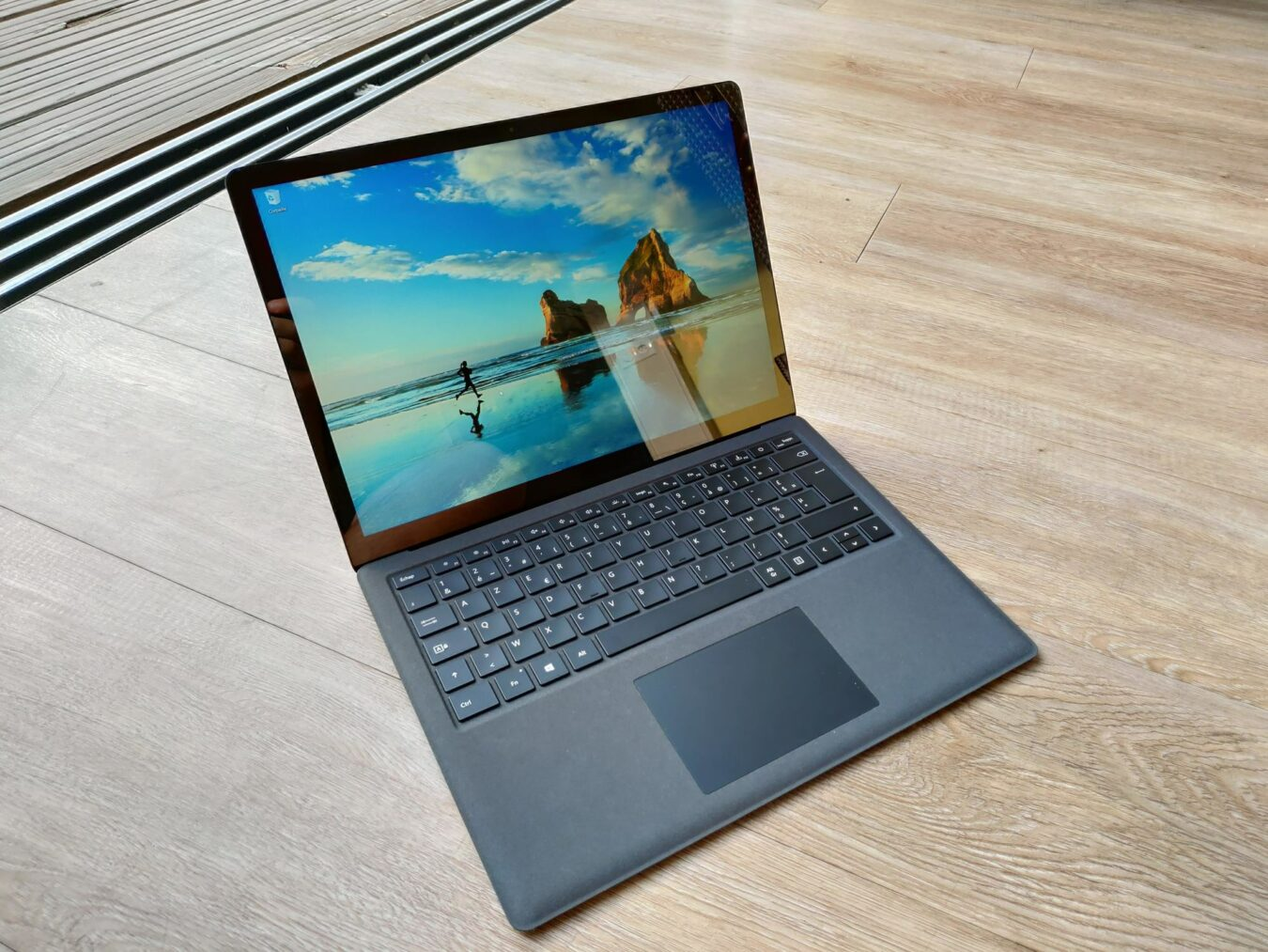Photo de Test – Microsoft Surface Laptop 2 : Un haut de gamme réussi