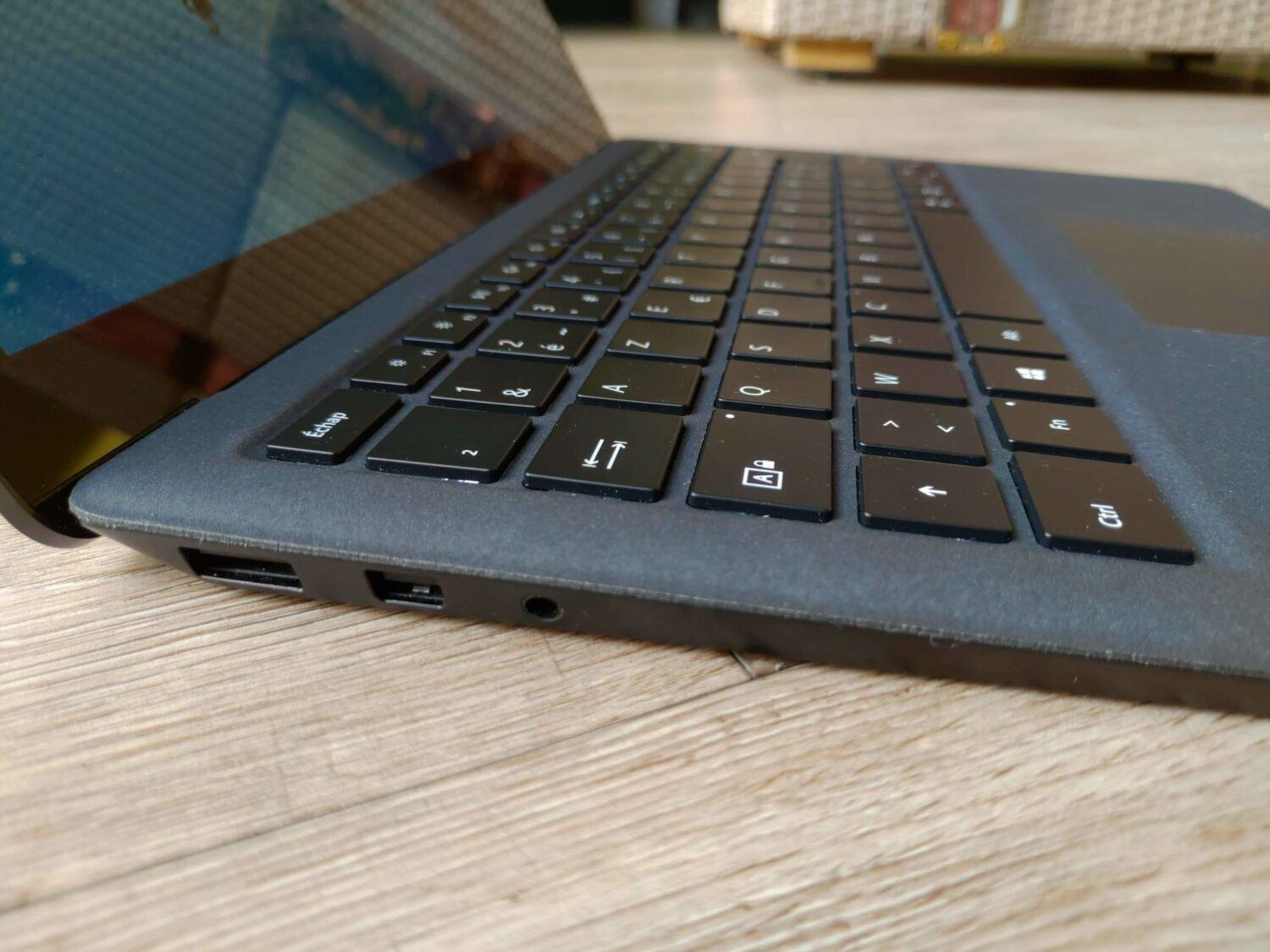USB-C USB-A Microsoft Surface  Laptop 2