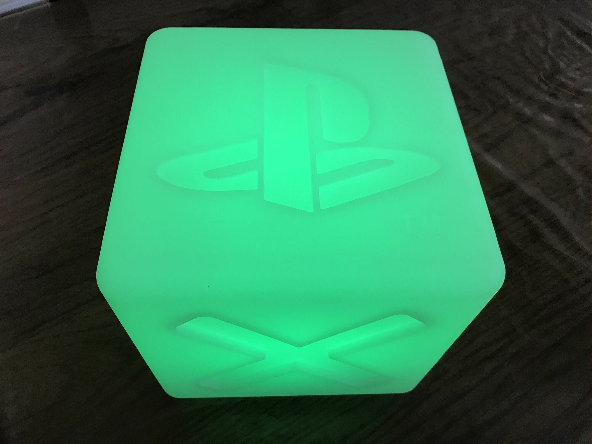 Cube Playstation