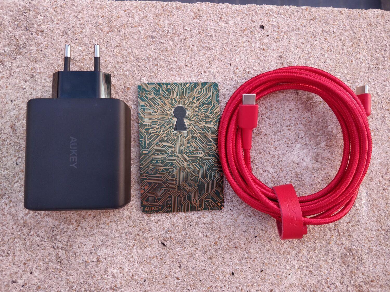Chargeur et câble USB-C aukey