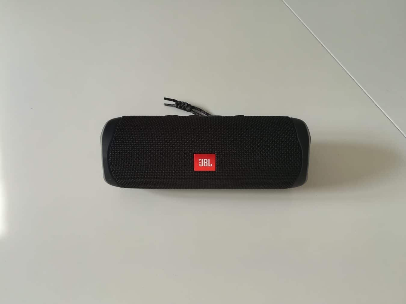 Photo de Test – JBL Flip 5 : Un son riche et profond