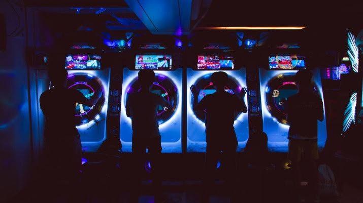 jeu vidéo et bornes d'arcade