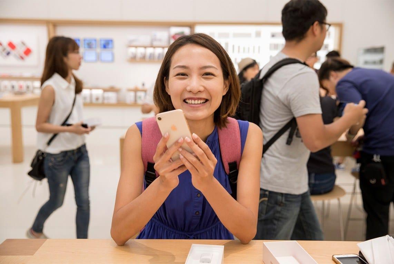 iPhone 8 Cliente Heureuse