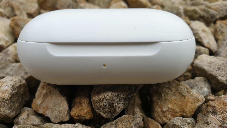 Samsung Galaxy Buds - Le boîtier vue de face avec la led