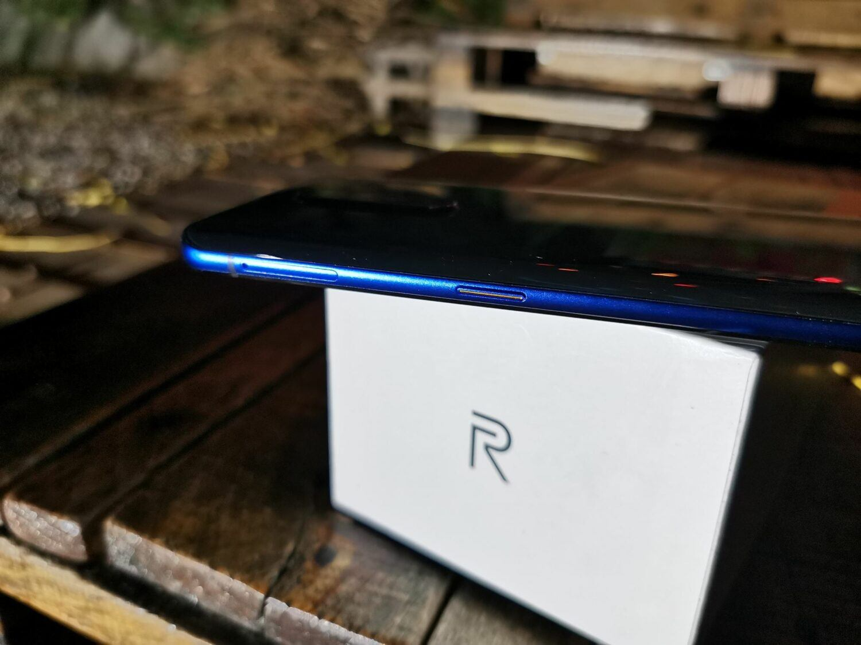 Realme X2 Pro - tranche droite