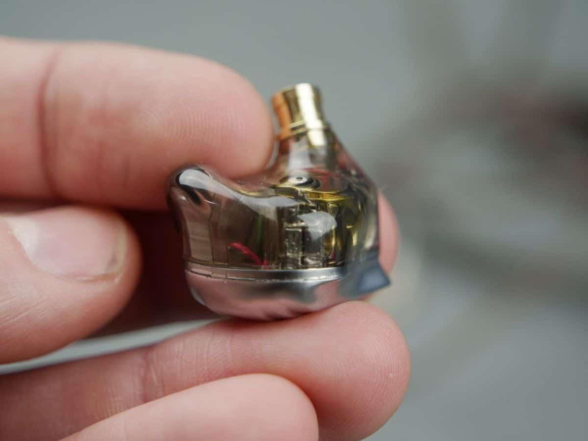 ZSX avec vu sur les transducteurs à armatures symétrique
