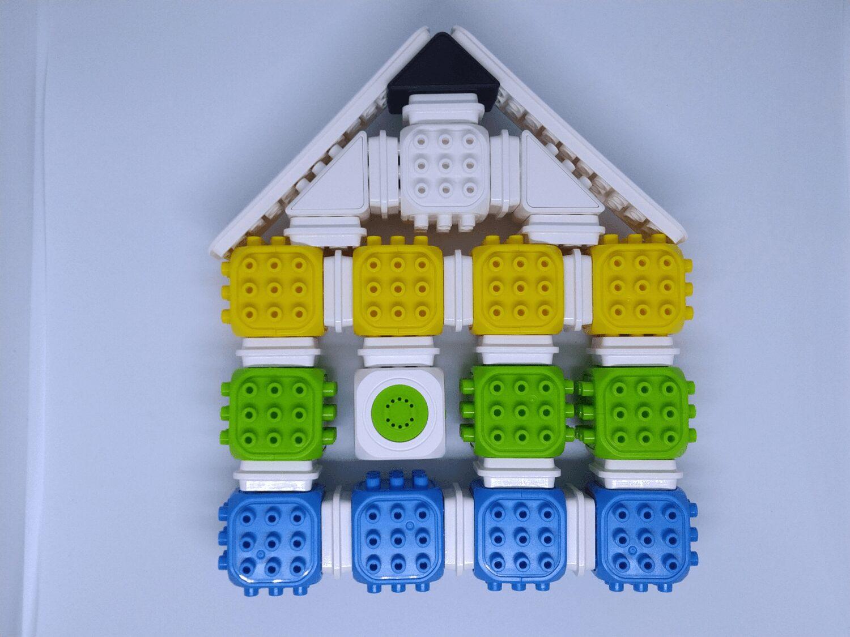 La maison avec sa sonnette