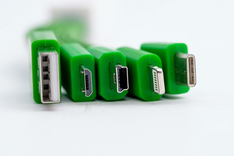 Différent type de connecteur (USB, lightning)