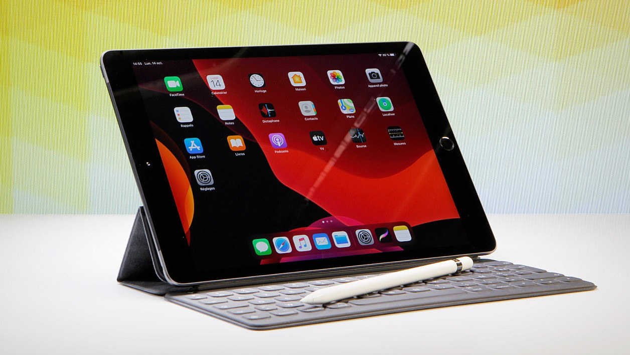 iPad Air avec Smart Keyboard et Apple Pencil