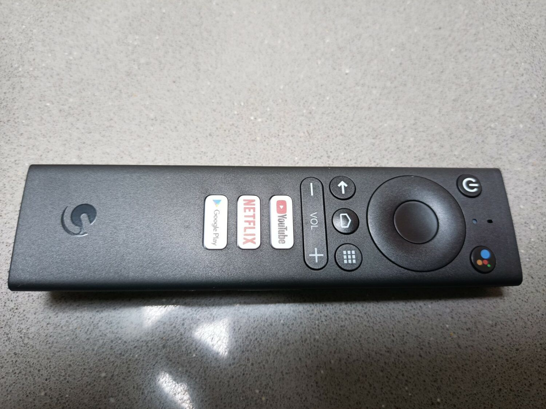 La télécommande de la SRT 202 est relativement épurée.