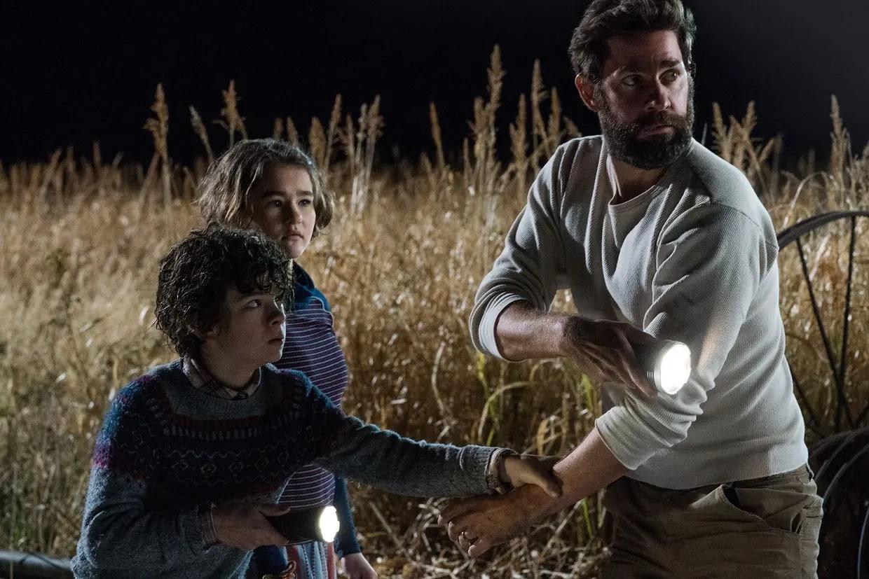 John Krasinski, Emily Blunt et Noah Jupe dans Sans un bruit (2018)